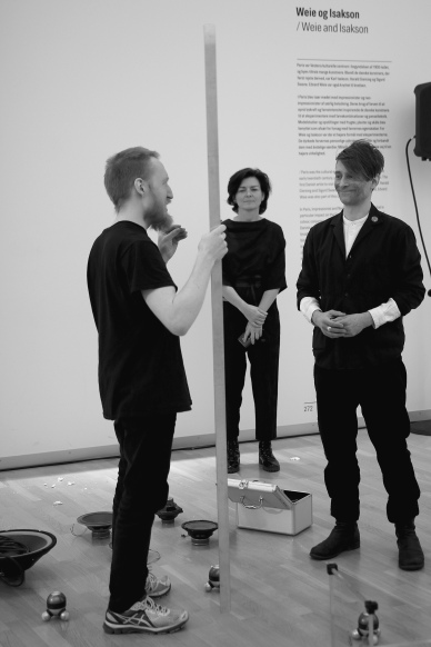1 + 1 = 3 [30 sekunder], performance by Kristian Hverring. Ph. by Pete Lamberto